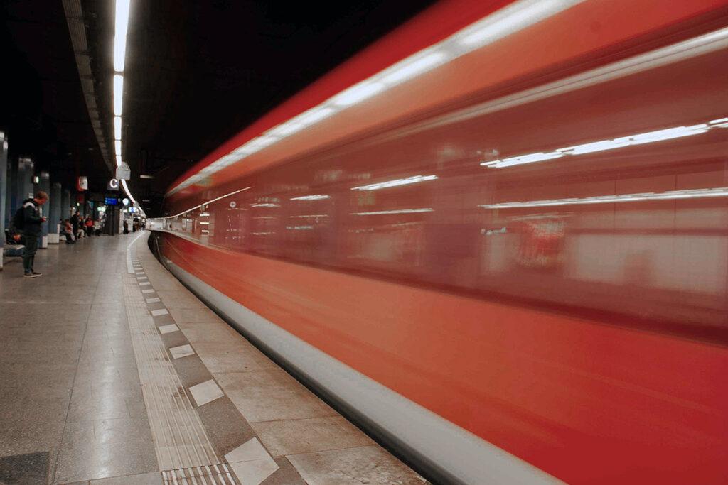 Bahnfahrt Corona