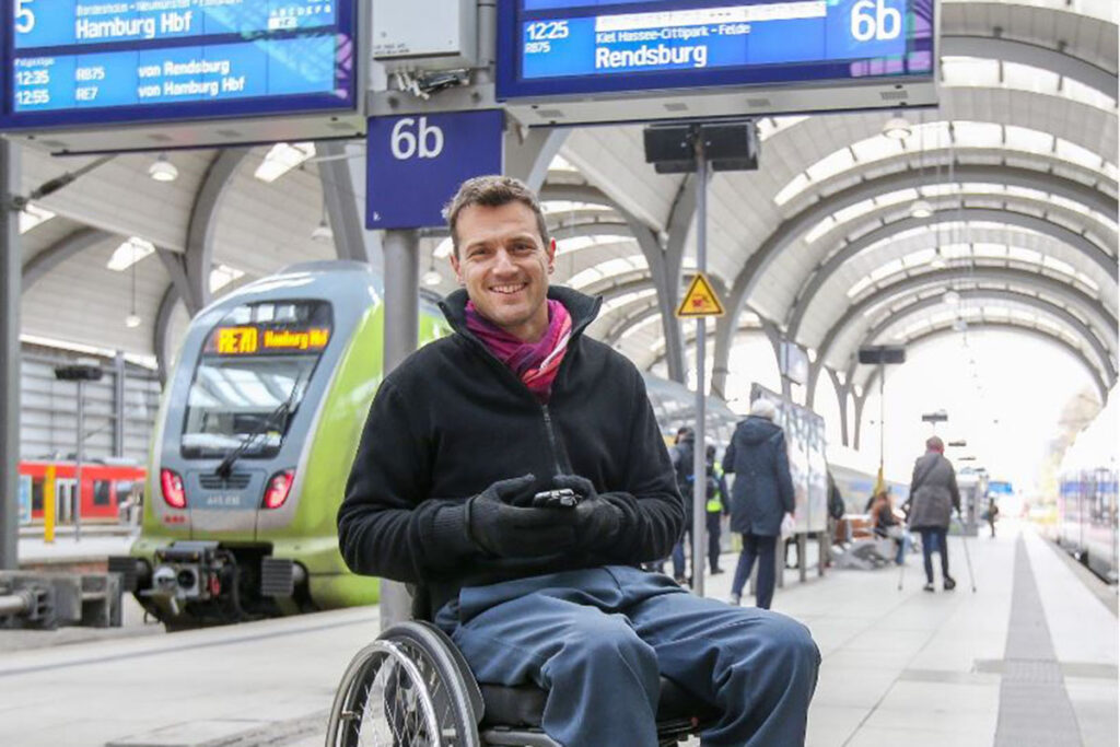 Kay Macquarrie tritt für die Rechte von mobilitätseingeschränkten Menschen ein